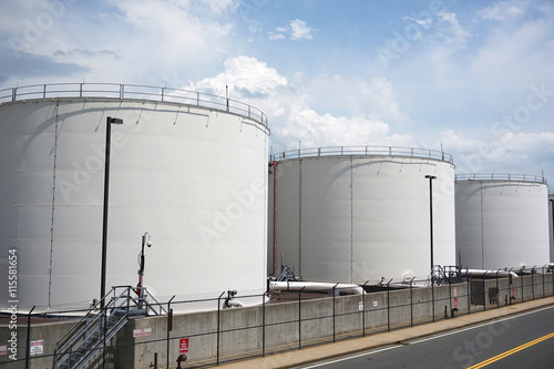 Photo  oil tanks