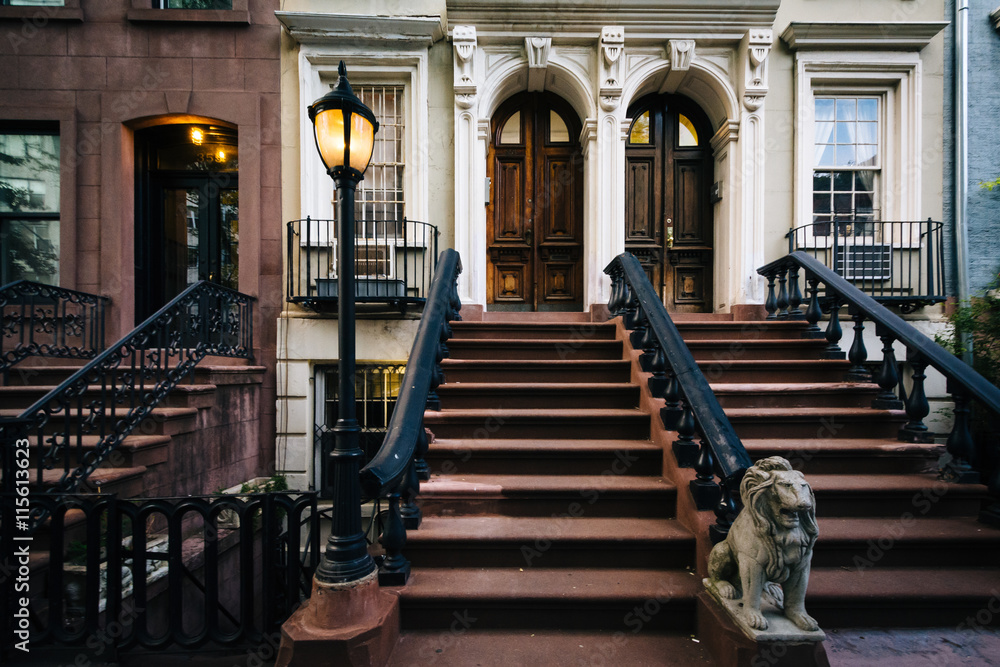 Fototapety, obrazy: Steps to apartment buildings in Chelsea, Manhattan, New York.