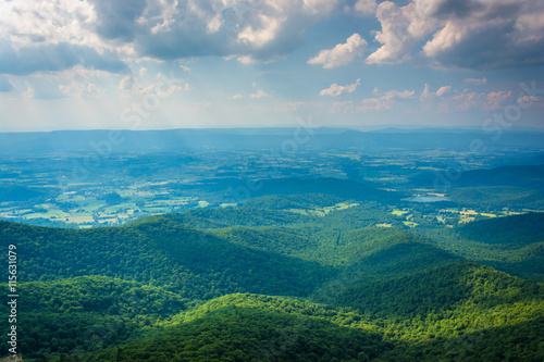 Keuken foto achterwand Grijze traf. View of the Shenandoah Valley from Little Stony Man Cliffs in Sh