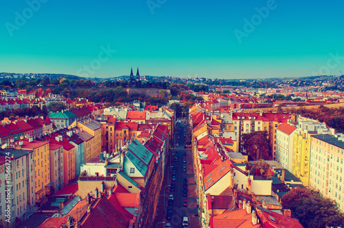 Photo  View to the Vysegrad in Prague, Czech Republic at autumn with cathedral and red
