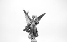 Victoria Memorial Statue (Detail)