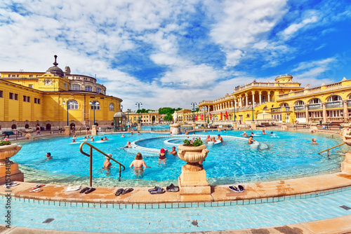 Canvas Print BUDAPEST, HUNGARY- MAY 05,2016: Courtyard of Szechenyi Baths, Hu
