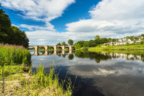 Foto auf Leinwand Fluss River Dee and Bridge of Dee Aberdeen Scotland