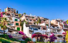Bunte Ferienhäuser Spanien Ma...