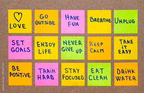 Deurstickers Ontspanning slow down, relax, take it easy, keep calm, love, meditate, go outside, enjoy life, be positive, have fun, unplug, breathe and other motivational lifestyle reminders on colorful sticky notes