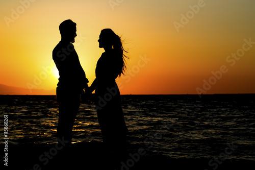 Fotografie, Obraz  Sahilde Aşık Genç Çift