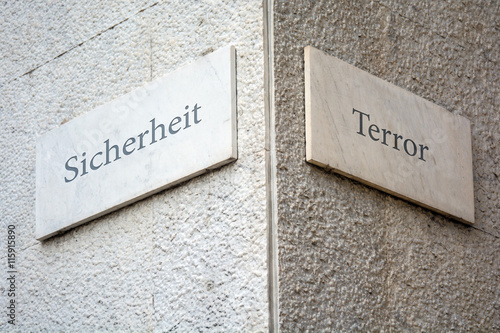 Fotografía  Schild 109 - Terror