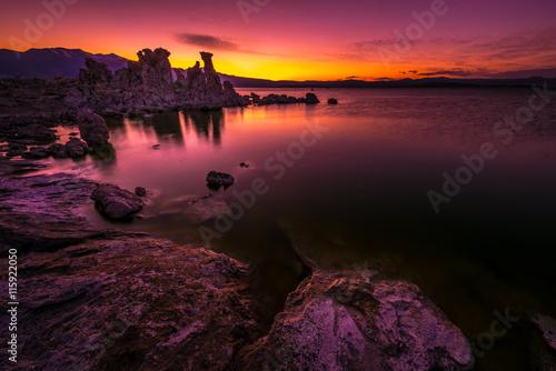 Valokuva  Mono Lake after Sunset