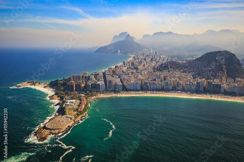 Photo Copacabana Beach and Ipanema beach in Rio de Janeiro, Brazil
