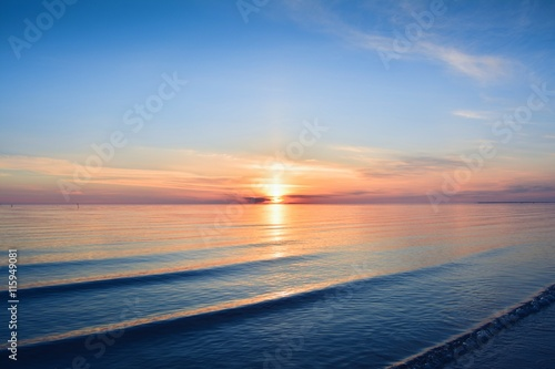 Stickers pour portes Eau Sunset at seaside