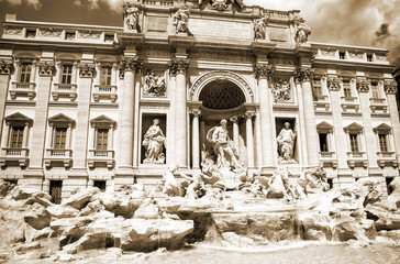 Fototapeta Italy. Rome. The famous Trevi Fountain built in the XVIII century.