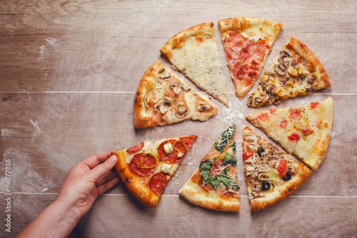 Photo  slices of pizza