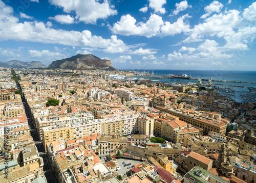 La pose en embrasure Palerme Aerial View of Palermo, Italy