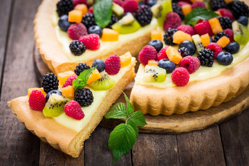 FototapetaBerry fruit tart
