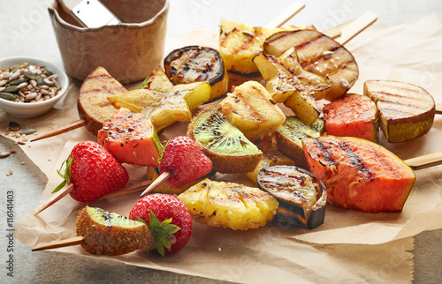 Aluminium Prints Grill / Barbecue grilled fruit pieces on wooden skewers