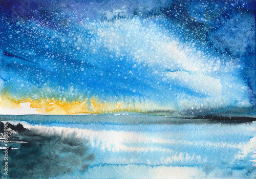 Photo  Beautiful Aurora seascape with shiny reflective water surface under the starry sky