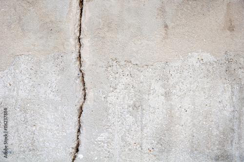 Fotografía  Fissure dans le mur d'une terrasse  à Marseille, France