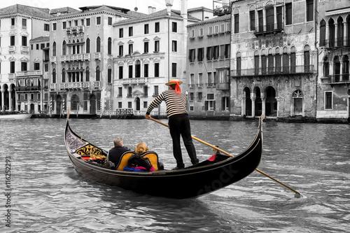 Spoed Foto op Canvas Gondolas Gondeln in Venedig sw col