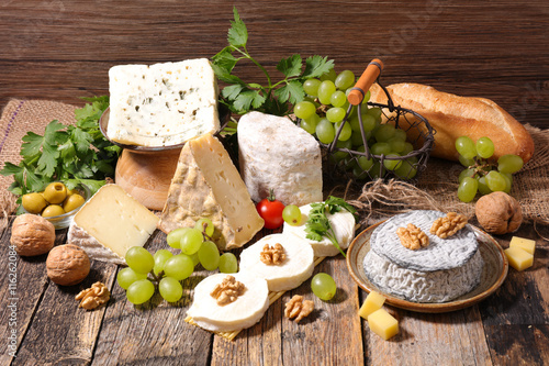 Poster Produit laitier assorted cheese