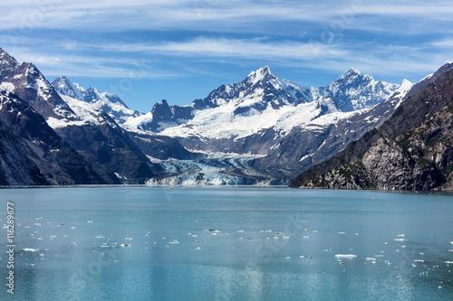 Printed kitchen splashbacks Glaciers Alaskan glacier during summer time flowing into bay
