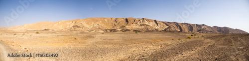 Foto auf Gartenposter Beige Wide angle panorama of Desert landscape