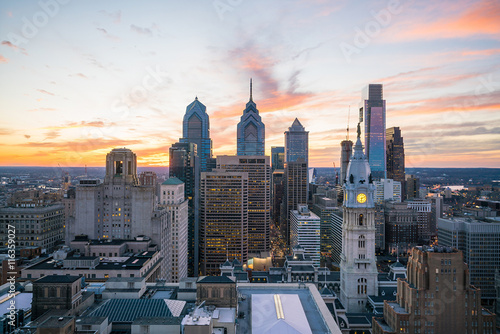 Keuken foto achterwand New York Skyline of downtown Philadelphia at sunset