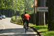 circulando en bicicleta por la carretera