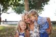 Leinwanddruck Bild - Mutter mit Tochter und Sohn in Kroatien