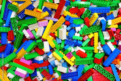 kupuj-messy-toy-multicolor-building-bricks