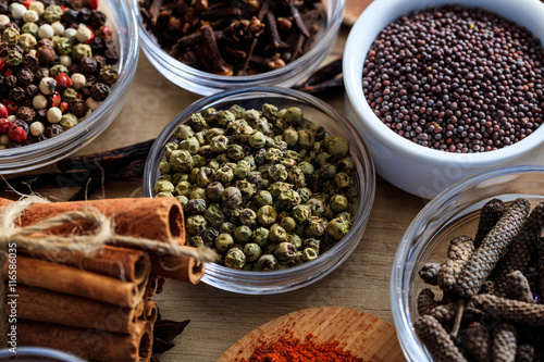 Staande foto India Green pepper and other spices