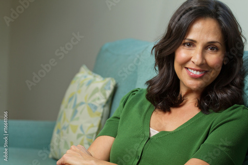 Photo  Mature Hispanic Woman