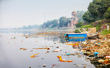 Bank Of Yamuna River Near Taj ...