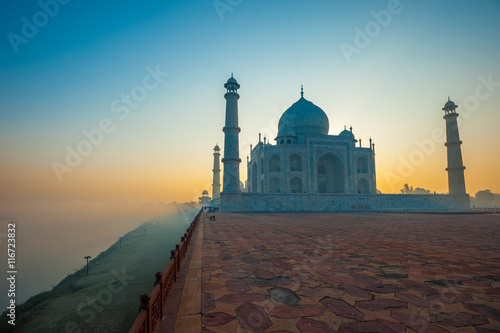 Photo Taj Mahal at sunrise, Agra, India