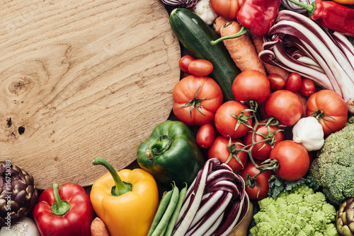 Photo Vegetables in a rustic kitchen