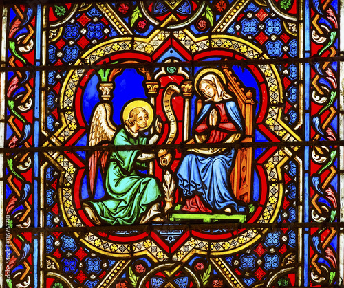 annunciation-angel-mary-witraz-notre-dame-cathedral-paris