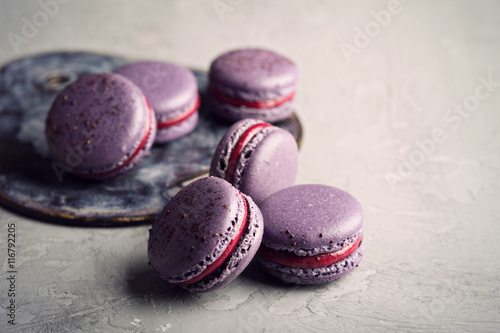 Poster Macarons French macarons on a gray table