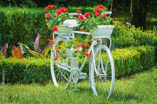 Fototapeten Natur Bicycle with Flowers