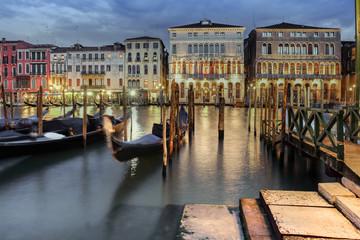 Panel Szklany Miasto Nocą Hausfassade in Venedig