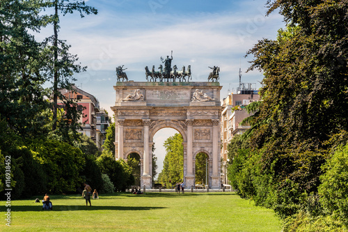 Keuken foto achterwand Milan Arco della Pace and gardens of Parco Sempione, Milan. Italy