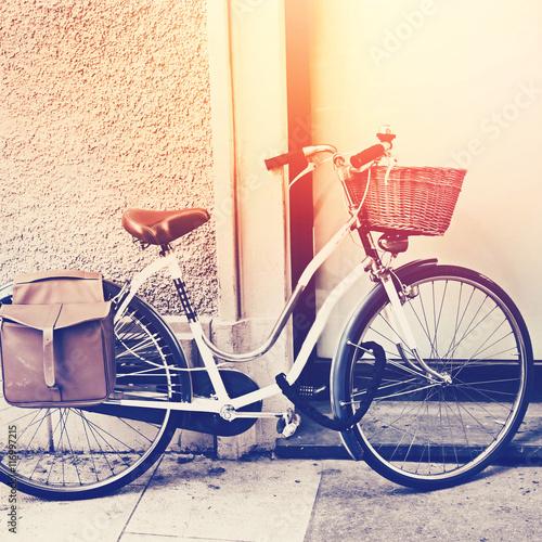 stary-rower-z-koszyczkiem