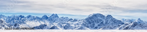 Tuinposter Alpen Panoramic view of the northen Caucasus mountains