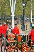Changing Of The Guard In Bucki...