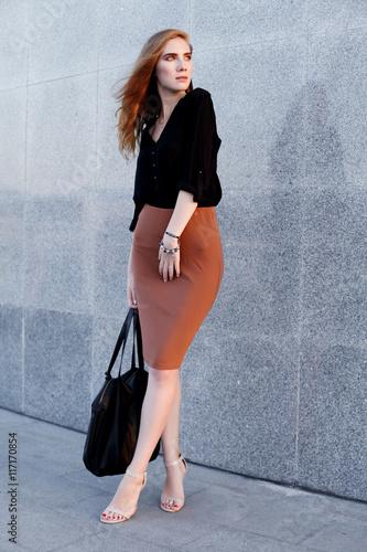 Woman Skirt Black Beautiful BlouseBrown Pencil High Wearing And kwZiTXOPu