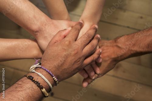 In de dag Boho Stijl Group of hands holding together