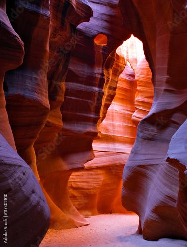In de dag Canyon Glowing slot canyon in desert