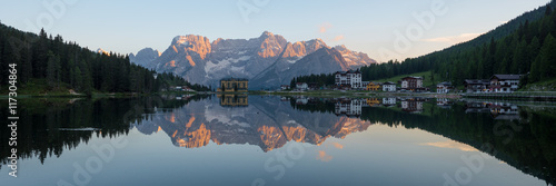 summer scene on the Lake Misurina, Dolomites Alps, Italy Fototapet