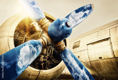 Foto auf Acrylglas Bestsellers propeller of an old aircraft