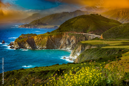 Montage in der Fensternische Kuste Bixby Creek Bridge Big Sur California