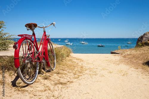 Deurstickers Strand Plage de Noirmoutier et ses vélos