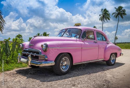 Foto op Aluminium Vintage cars pink cuban car